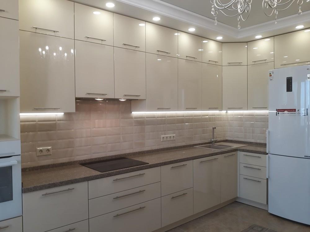 Белый кухонный гарнитур-Кухня МДФ в ПВХ «Модель 279»-фото1