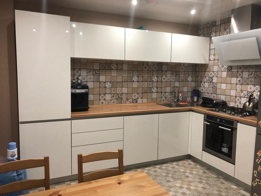 Белый кухонный гарнитур-Кухня из пластика «Модель 437»-фото1