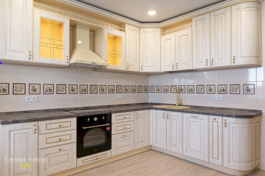 Белый кухонный гарнитур-Кухня из шпона «Модель 562»-фото1