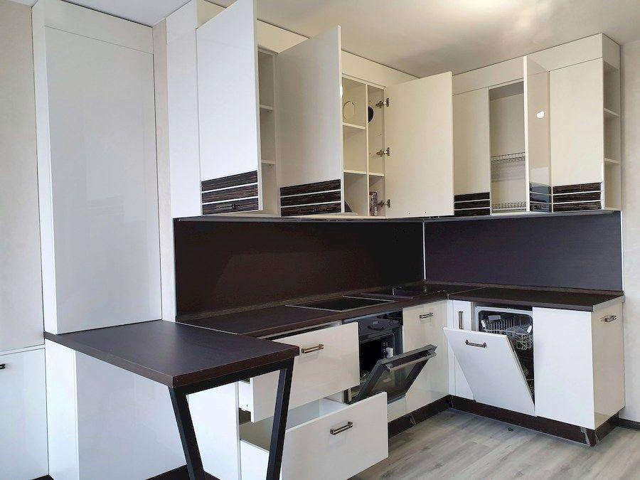 Белый кухонный гарнитур-Кухня из шпона «Модель 560»-фото4