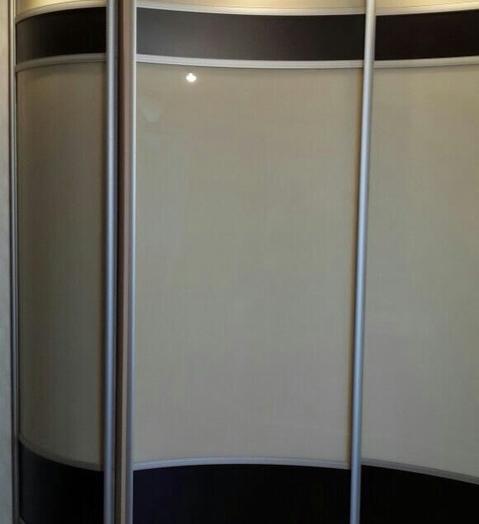 Белые шкафы-купе-Шкаф-купе из стекла Лакобель «Модель 399»-фото4